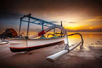 Картинка корабли моторные+лодки океан закат тропики лодка балансир мотор