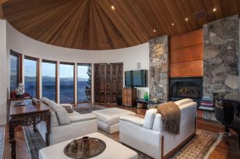Картинка интерьер гостиная диван окно