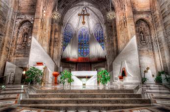 Картинка cathedral+of+the+most+blessed+sacrament интерьер убранство +роспись+храма церковь пространство