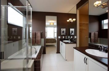 Картинка интерьер ванная туалетная комнаты раковина зеркала ванна