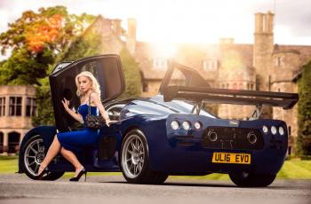 обоя автомобили, -авто с девушками, фон, взгляд, девушка, автомобиль