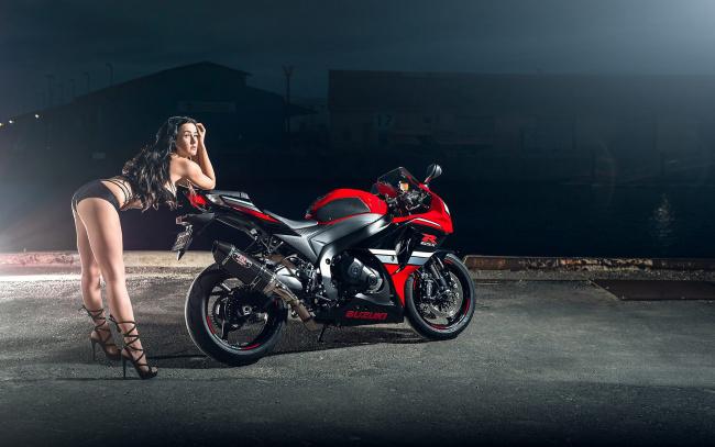 Обои картинки фото moto girl 851, мотоциклы, мото с девушкой, girls, moto