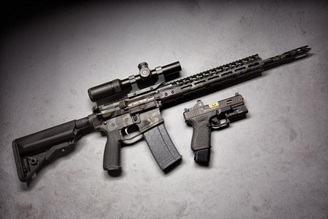 Обои картинки фото оружие, пистолет, оптика, glock, штурмовая, винтовка