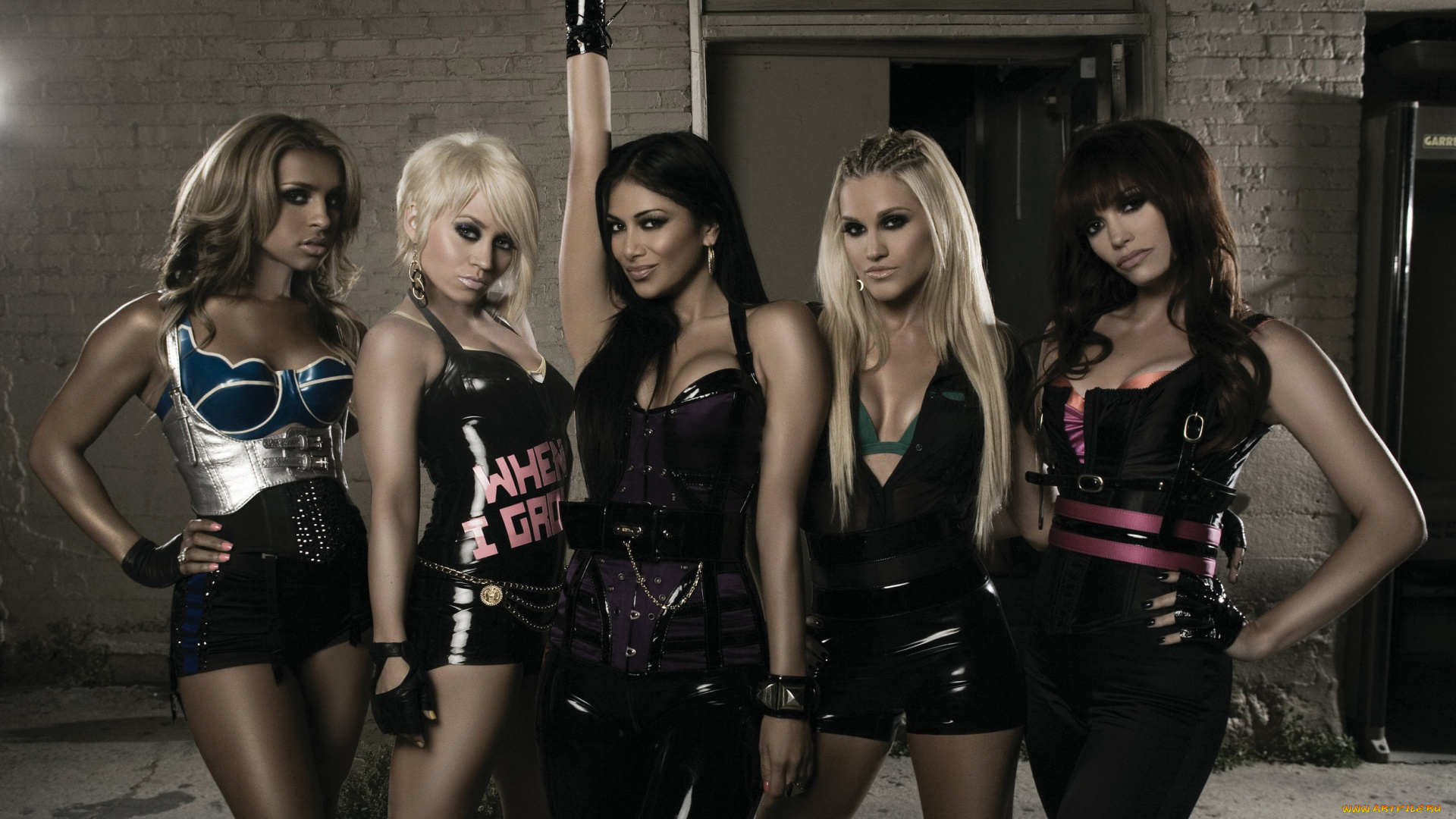 s-sexy-female-music-group-m-girls-shaved-girlfriend