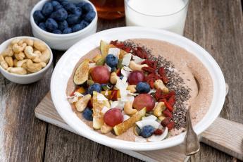 Картинка еда мюсли +хлопья годжи кешью инжир голубика молоко завтрак фрукты виноград ягоды каша