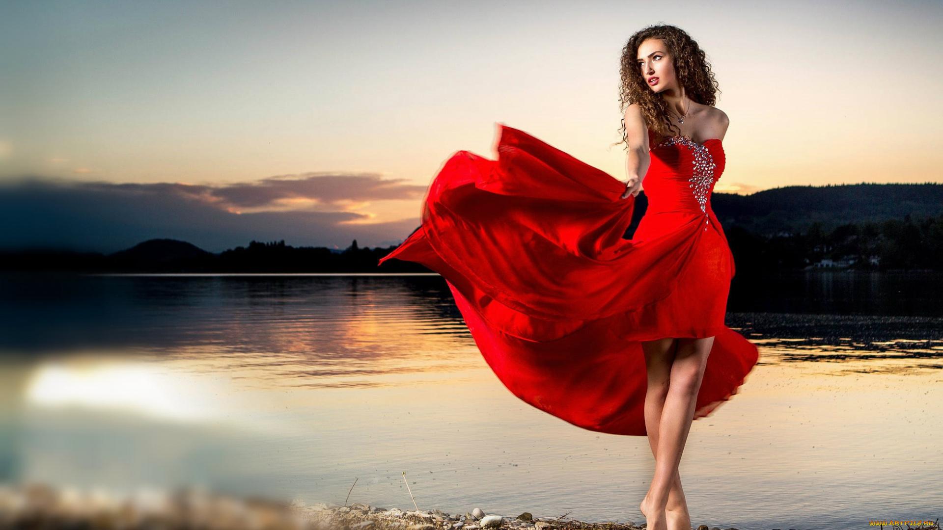 Толстушки в платьях фото, Пышные девушки -фото. Шикарные формы тела 21 фотография