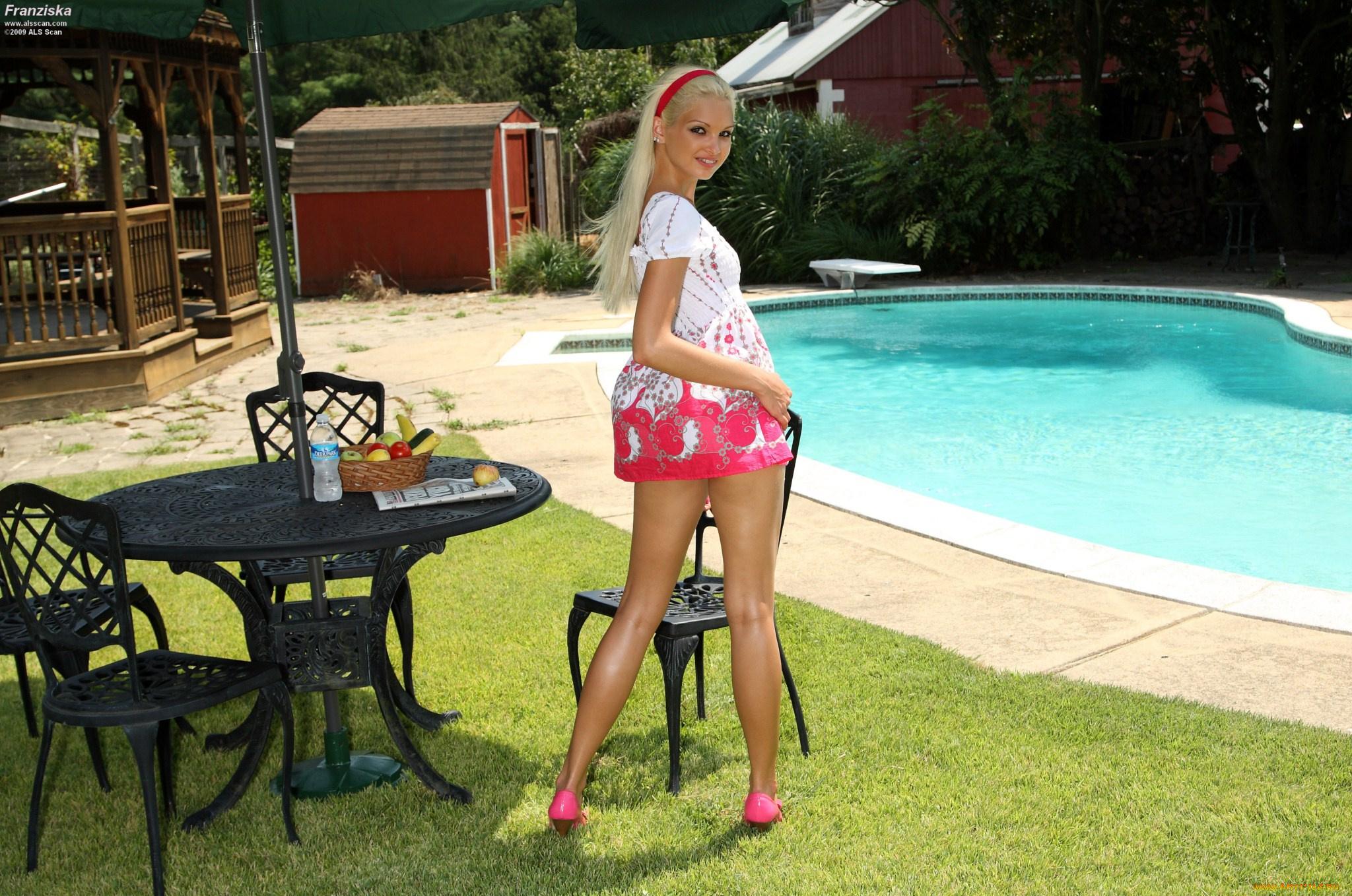Lovely babe Franziska Facella masturbating her cunt with big toys № 432456 без смс