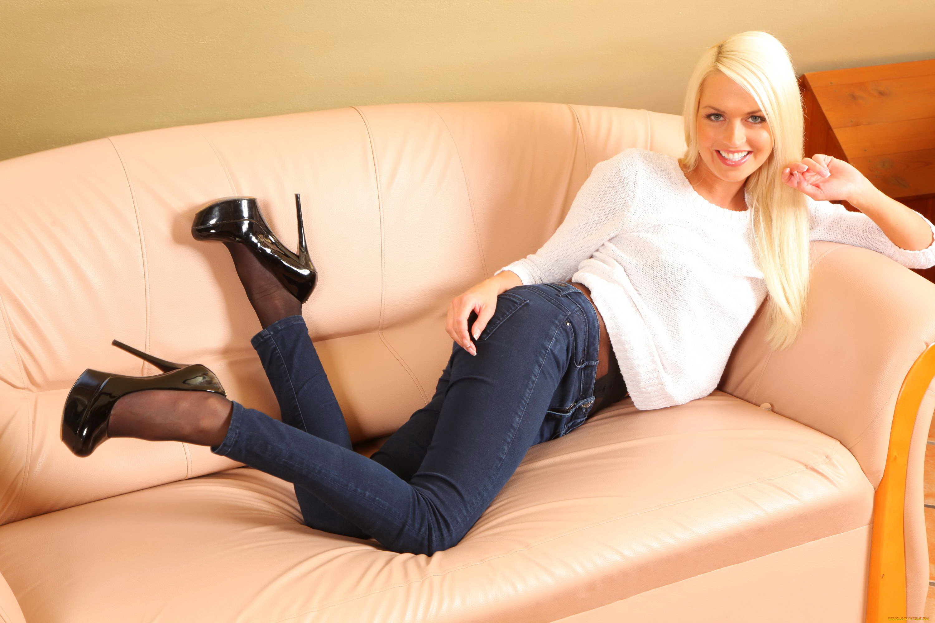 Jeans and pantyhose woman, amatuer teen anal sluts