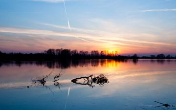 Картинка природа восходы закаты закат озеро коряга