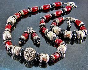 Картинка разное украшения +аксессуары +веера фон украшение бижутерия ожерелье серьги бусы