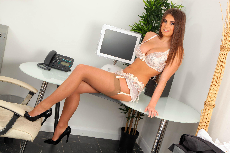 Секретарша с бюстом, Порно видео онлайн: СекретаршаБольшие сиськи 7 фотография