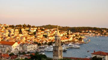 обоя города, - панорамы, island, hvar, катера, лодки, море, побережье, курорт, дома, пристань, остров, хорватия, пальмы