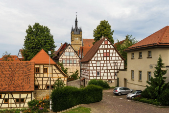 обоя германия, города, - здания,  дома, машины, деревья, кустарники, цветы