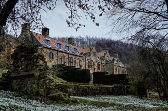 обоя англия, города, - здания,  дома, деревья, камни, кустарники, цветы