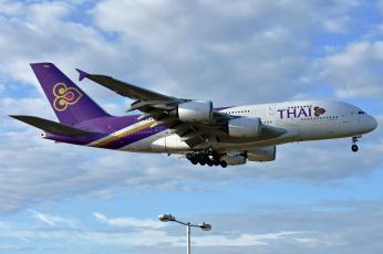 обоя a380-800, авиация, пассажирские самолёты, авиалайнер