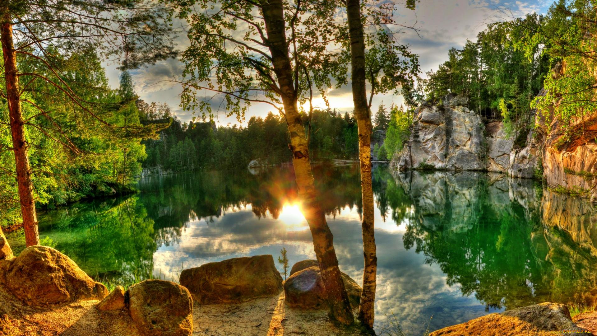 природа скалы деревья озеро на телефон