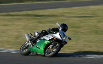 Картинка спорт мотоспорт гонка трек tornado benelli