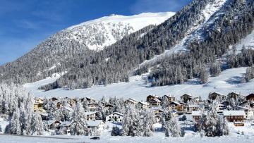 обоя города, - пейзажи, снег, дома, горы