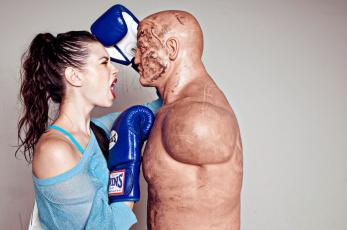 Картинка юмор приколы манекен бокс крик девушка