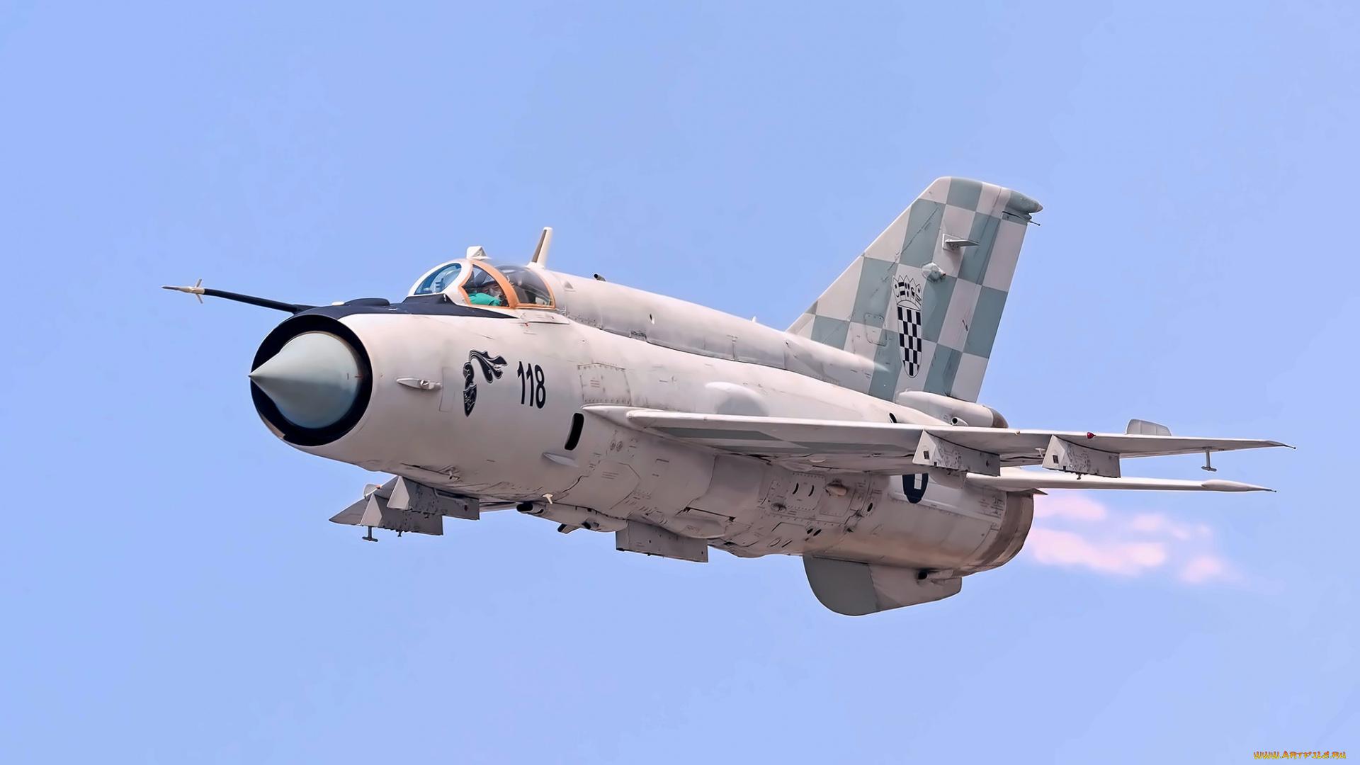 Vale mais 100 MiG-21 voando do que um F-22 Raptor no chão