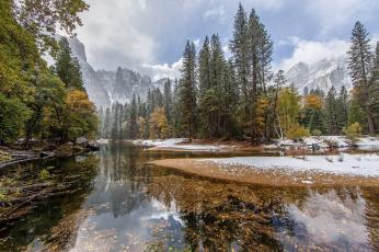 обоя природа, реки, озера, деревья, вода, листья, ветки, снег, отражение, горы, облака, лес