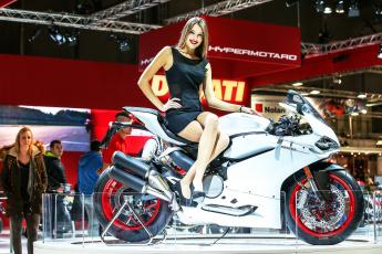 обоя girls and moto 2, мотоциклы, мото с девушкой, moto, белый, girl