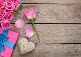 Картинка праздничные день+святого+валентина +сердечки +любовь коробка бант цветы подарок