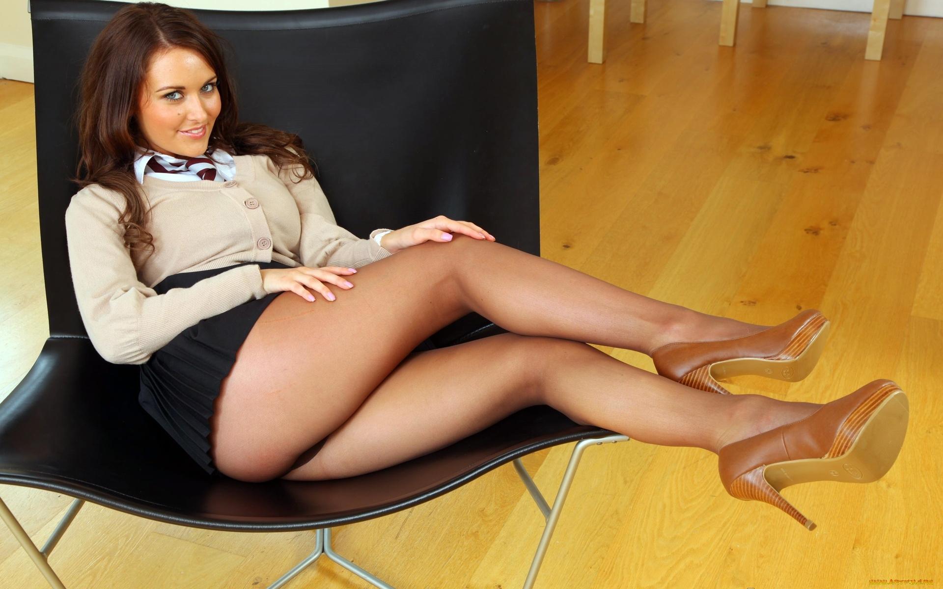 сексуальные ноги в колготках - 4