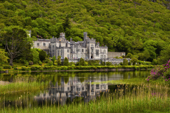 обоя kylemore abbey, города, - католические соборы,  костелы,  аббатства, река, лес