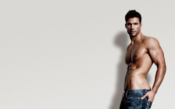Картинка мужчины -+unsort фон парень мускулы брюнет вгляд