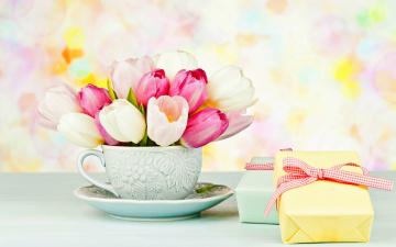 обоя цветы, тюльпаны, блюдце, чашка, коробки, подарки, букет