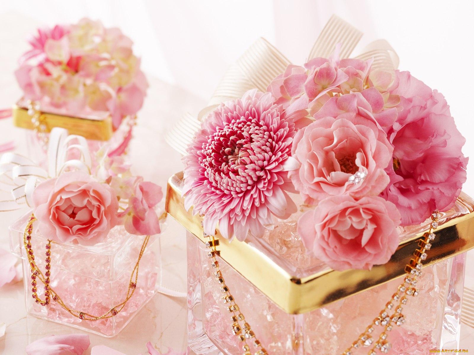 Нежный поцелуи букет цветов с днем рождения