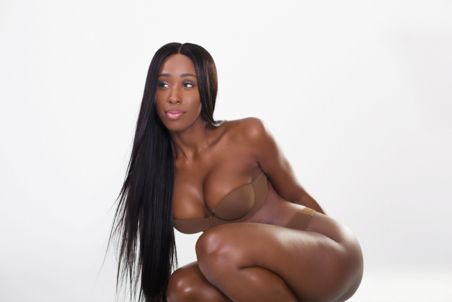 video-s-modelyami-mulatkami