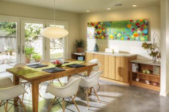 Картинка интерьер столовая дом дизайн комод окно стулья стол коттедж стиль
