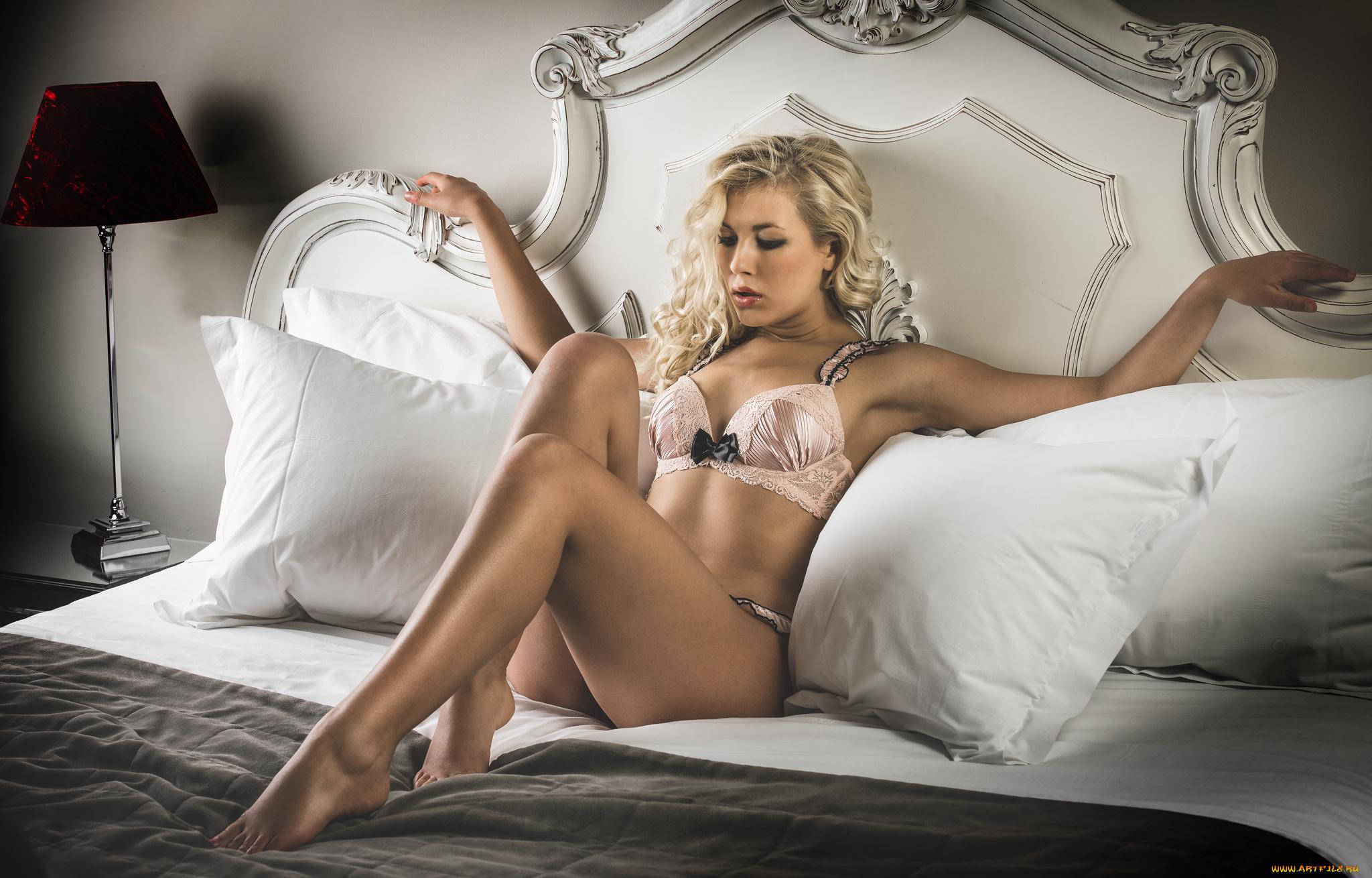 Фото полных в постели, Голые полненькие на фото и обнаженные полные 8 фотография