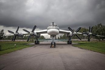 обоя tu-95, авиация, авиационный пейзаж, креатив, бомбардировщик