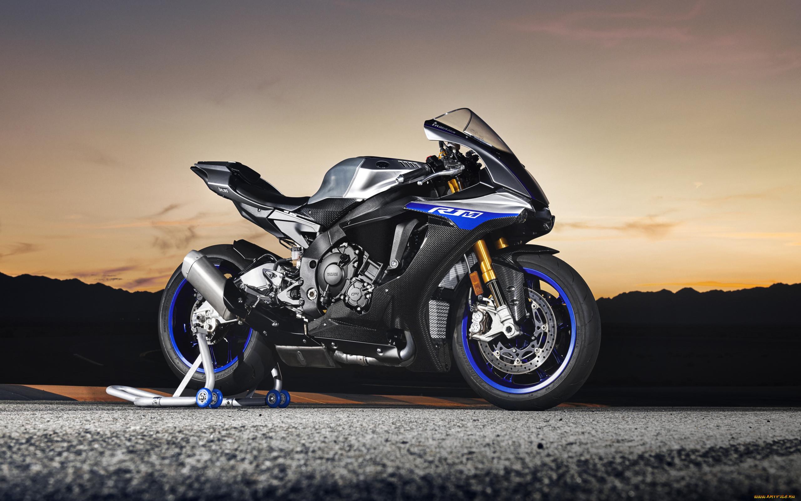 Мотоцикл Yamaha парковка загрузить