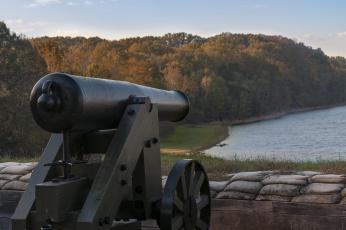 обоя оружие, пушки, ракетницы, пейзаж, пушка, старинное