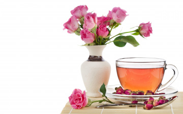 Картинка еда напитки Чай чай розы ваза бутоны чашка ложка