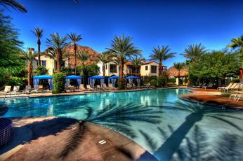 Картинка интерьер бассейны открытые площадки exterior villas houses pool виллы дома бассейн лежаки пальмы