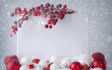 Картинка праздничные шары снежинки снег ветка новый год ягоды лист christmas рождество