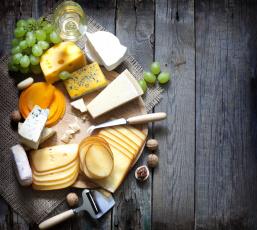 Картинка еда сырные+изделия сырная нарезка доска бокал вино виноград ассорти