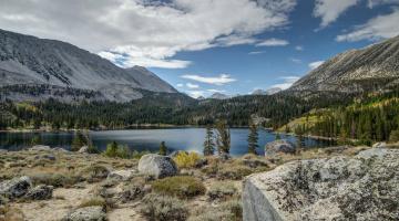 Картинка природа реки озера озеро лес горы