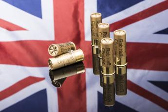 обоя оружие, пулимагазины, боеприпасы