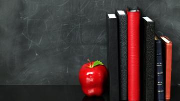обоя разное, канцелярия,  книги, яблоко, ежедневники, блокноты