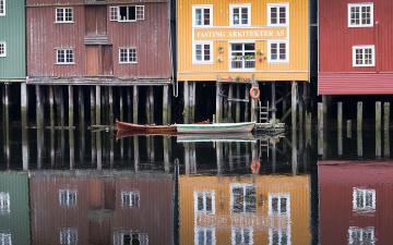 обоя корабли, лодки,  шлюпки, отражение, вода, дома