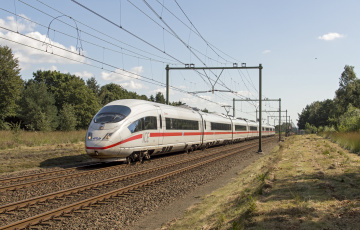 Картинка техника поезда рельсы состав локомотив