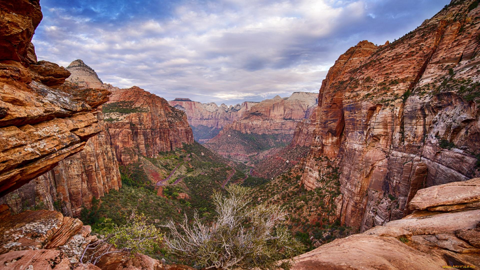 Ущелье горы скалы без регистрации