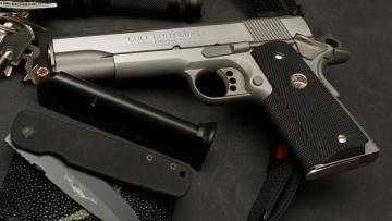 обоя оружие, пистолеты, colt, gold, cup, trophy, ключи, нож, обойма, 1911, пистолет