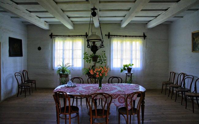 Обои картинки фото интерьер, столовая, стулья, скатерть, стол
